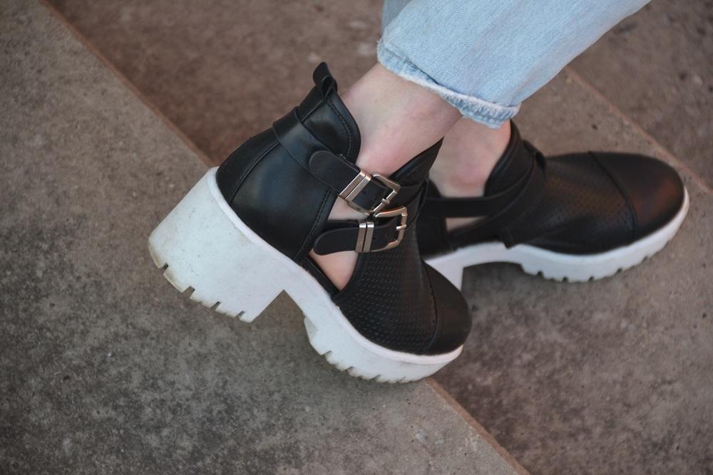 Detail Schuhe DP